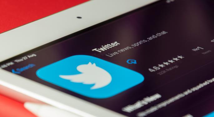 Twitter Now Lets Users Sign Up Using Their Apple, Google Accounts