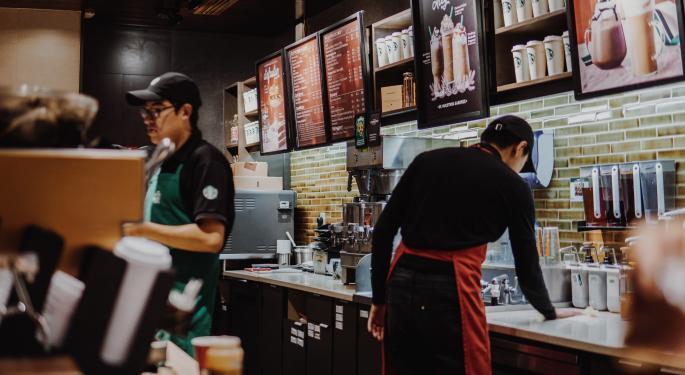 Starbucks Reports Q1 Sales Miss, Store Sales Declined 5%