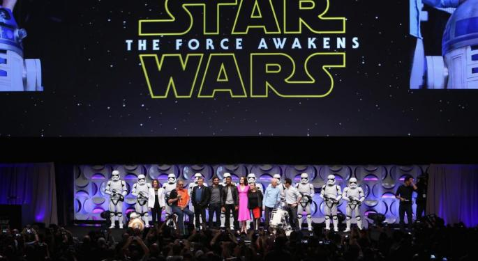 Shocker? 'Star Wars: The Force Awakens' Advance Ticket Sales On Pace For Biggest Release Of All Time