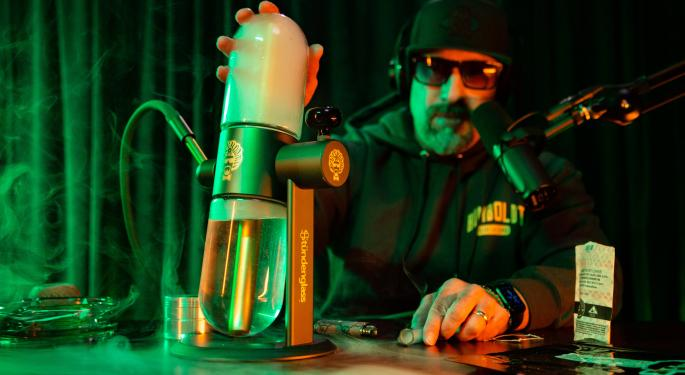 Stündenglass To Join Forces With Dr. Greenthumb Founder B-Real
