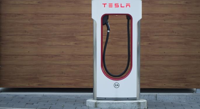 Tesla Is Still A 'Maximum Short' For Chanos