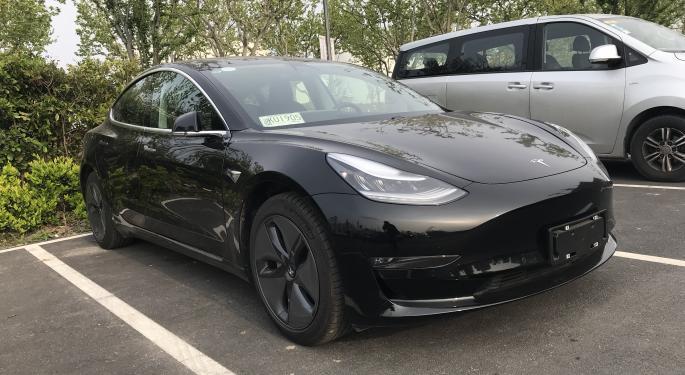 Un Model 3 de Tesla explota en un parkin de Shanghái
