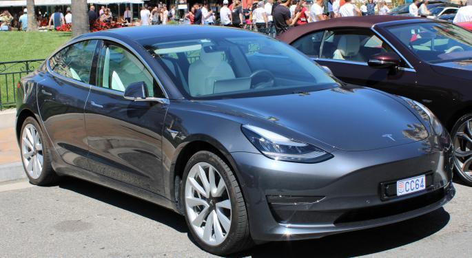 Tesla Achieves Record Giga-Shanghai Model 3 Deliveries In November