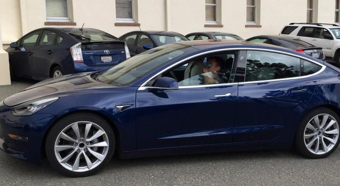 Registros de Tesla caen 13 % en California en el tercer trimestre