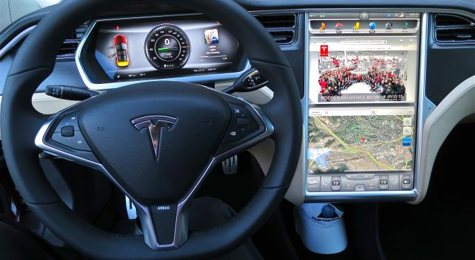 Even Staunch Supporters Of Tesla's Autopilot Find Recent Events Troublesome