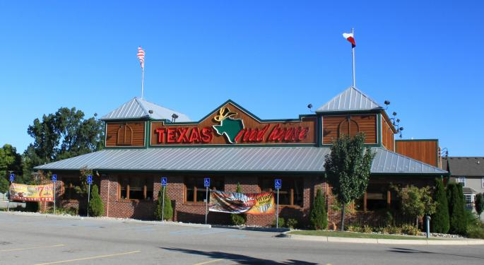 3 Texas Roadhouse Analysts Agree: Wait For A Better Entry Point In Stock