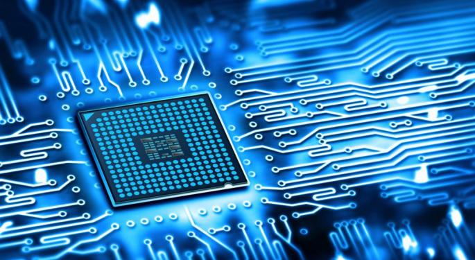 KeyBanc Expects Texas Instruments To Outperform, 'Well-positioned To Service Upside Demand'
