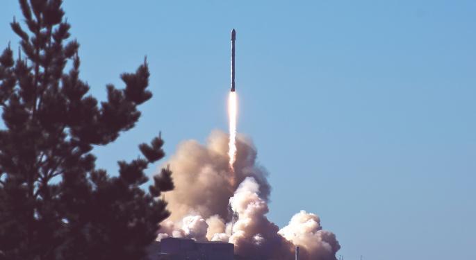 SpaceX llevará a los primeros 4 civiles al espacio este año