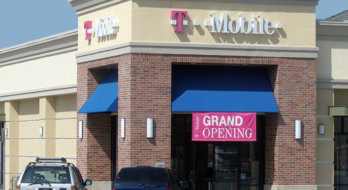 T-Mobile Is The 'Best Fundamental Investment' In Wireless; M&A Conversations Could Start This Week