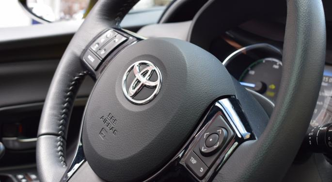 Toyota Again Trounces US Peers In North American Auto Sales