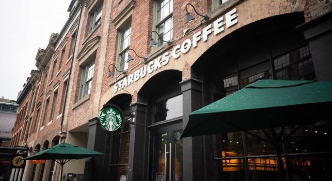 Starbucks podría recuperarse y Cowen mejora su calificación