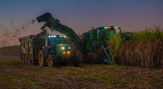 Deere Posts Mixed Q2 Results, Guidance Cut