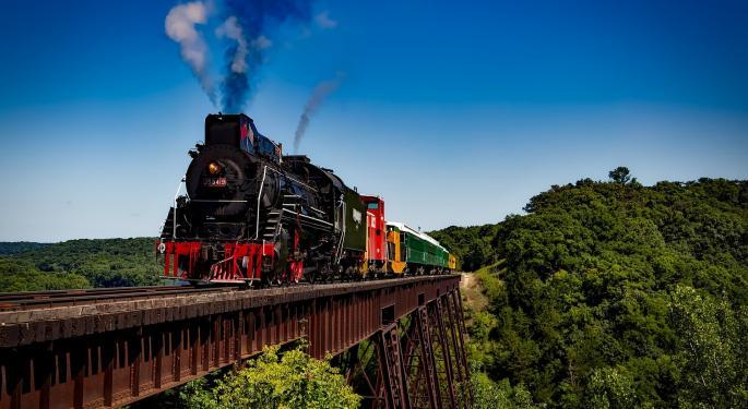 Rail Roundup: UP's Grain Transload Project, Senators' Grade Crossing Bill