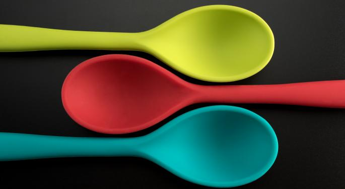 Tupperware Is Investigated For Securities Fraud After Shares Fall 45%