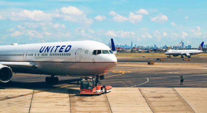 United Airlines Workers File Class Action Alleging Company Violated Federal Aid Rules