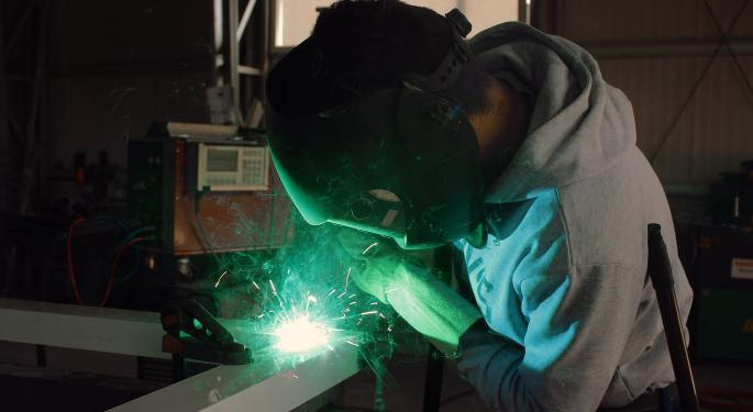 UK Manufacturing Exports Remain Weak, Industry Group Says