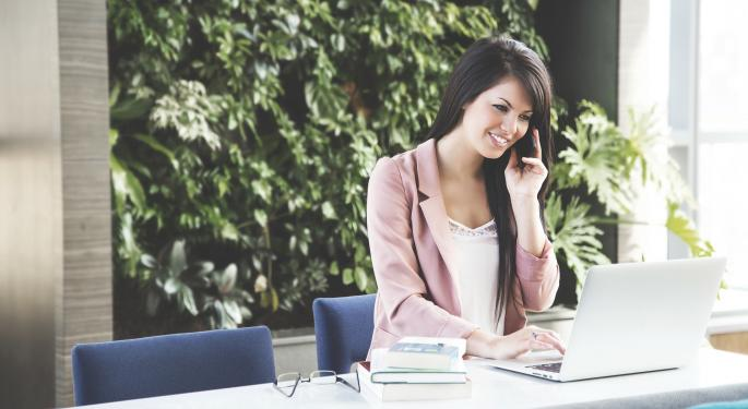 Signs It's Time To Call In The Professionals On Your Finances