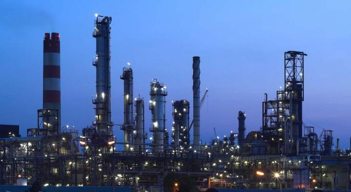 Refiner-Heavy ETFs Outperforming During Oil's Slump
